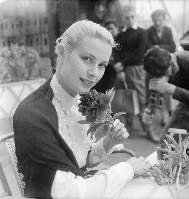 American actress Grace Kelly in Cannes for the international film festival in April 26-May 10,1955 in Cannes, France. (Photo by Gamma-Keystone/Getty Images)