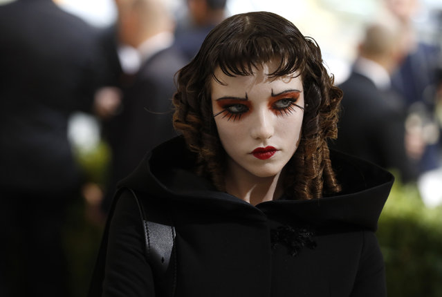 """Model Grace Hartzel attends """"Rei Kawakubo/Comme des Garcons: Art Of The In-Between"""" Costume Institute Gala – Arrivals at Metropolitan Museum of Art on May 1, 2017 in New York City. (Photo by Lucas Jackson/Reuters)"""