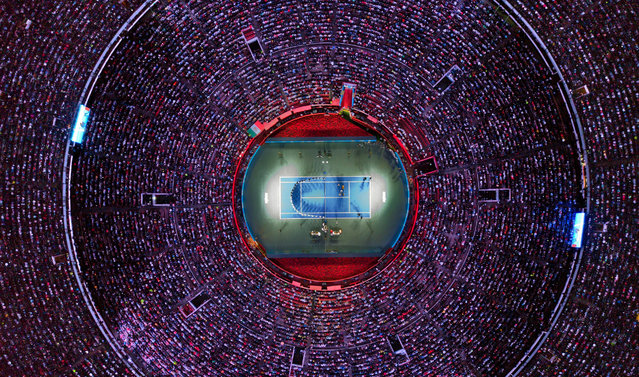 A photo photo taken with a drone shows an aerial view of the Mexico Bullring during a tennis exhibition match between Swiss tennis player Roger Federer and German tennis player Alexander Zvererv in Mexico City, Mexico, 23 November 2019. (Photo by Madla Hartz/EPA/EFE)