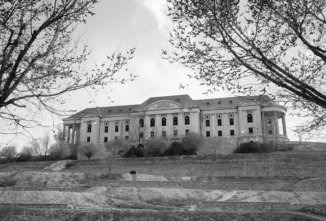 Tajbeg (Queen's) Palace, the Palace of Amanullah Khan in Kabul, photographed on October 8, 1949. Amanullah Khan, King of Afghanistan in the early 20th century, attempted to modernize his country and make many reforms to eliminate many age-old customs and habits. His ambitious plans and ideas were based on what he had seen during a visit to Europe. Click here to see a present-day view of the palace, now an abandoned wreck. (Photo by Max Desfor/AP Photo via The Atlantic)