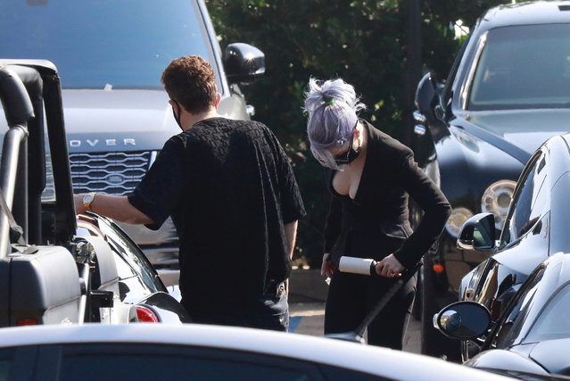 Kelly Osbourne showed off her incredible 80-pound (36kg) weight loss in skintight jeans and a low-cut top after admitting to having gastric sleeve surgery. The star, 35, confidently strutted across a car park as she headed to a meeting with producer Jeff Beacher in Malibu on Sunday, October 11, 2020. (Photo by Backgrid USA)