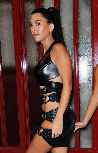 Kourtney Kardashian go to Alaia after attending the Givenchy fashion show in Paris, France on October 2, 2016. (Photo by Jackson Lee/Splash News)