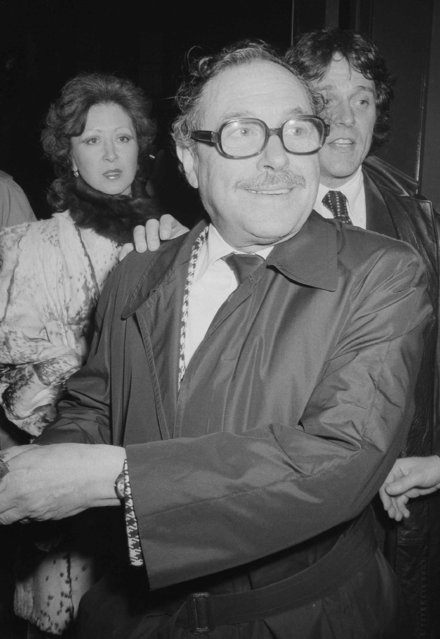 "Playwright Tennessee Williams is pictured at the opening of his one-act play ""27 Wagons Full of Cotton"" along with Arthur Millers ""A Memory of Two Mondays"", at the Phoenix Theater in New York City, January 26, 1976. (Photo by Carlos Rene Perez/AP Photo)"