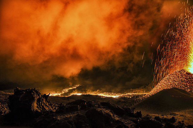 The powerful erupting volcano. (Photo by Luc Perrot/Caters News)