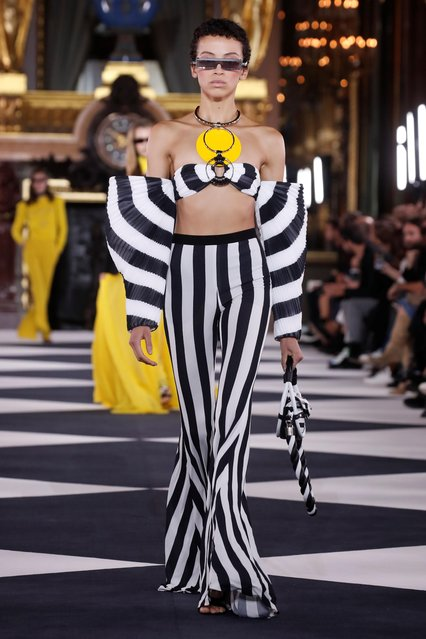A model presents a creation by designer Olivier Rousteing as part of his Spring/Summer 2020 women's ready-to-wear collection show for Balmain fashion house during Paris Fashion Week in Paris, France, September 27, 2019. (Photo by Benoit Tessier/Reuters)
