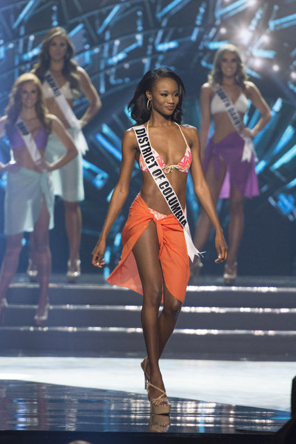 Miss District of Columbia Deshauna Barber walks during the swim suit competition during the 2016 Miss USA pageant in Las Vegas, Sunday, June 5, 2016. (Photo by Jason Ogulnik/Las Vegas Review-Journal via AP Photo)