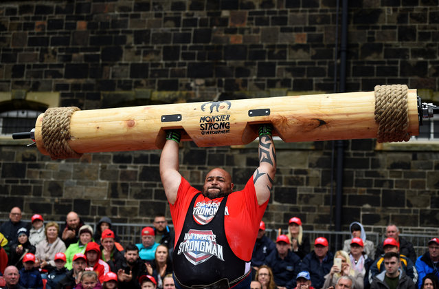 Paul Carter competes in the Ultimate Strongman Masters World Championship in Belfast, Northern Ireland on August 6, 2017. (Photo by Clodagh Kilcoyne/Reuters)
