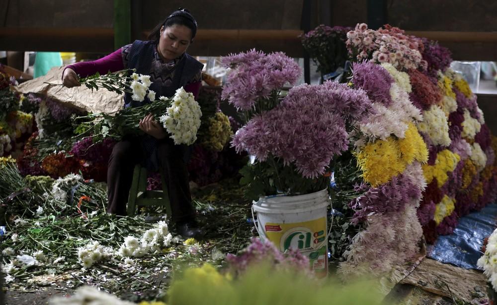 A Flower Market in Lima