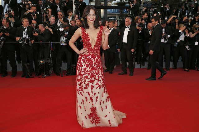 "Model Laetitia Guarino poses on the red carpet as she arrives for the screening of the film ""The Sea of Trees"" in competition at the 68th Cannes Film Festival in Cannes, southern France, May 16, 2015. (Photo by Benoit Tessier/Reuters)"