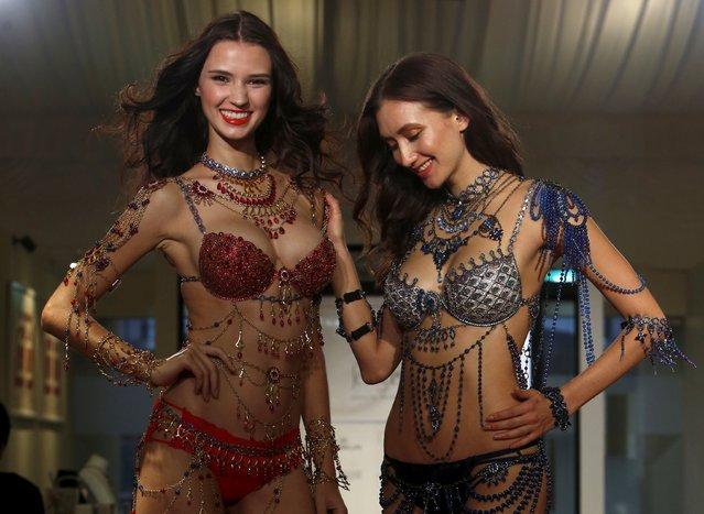 Models present Victoria Secret Fantasy Bras priced at $2 million each during a media preview of the Singapore JewelFest in Singapore October 8, 2015. (Photo by Edgar Su/Reuters)