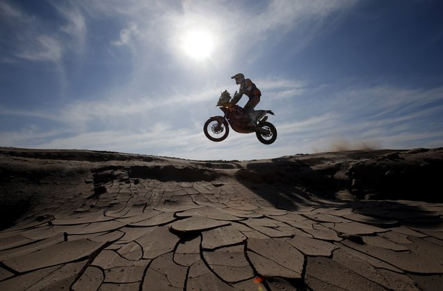 KTM rider Marc Coma of Spain rides during the sixth stage of the Dakar Rally 2015, from Antofagasta to Iquique, January 9, 2015. (Photo by Jean-Paul Pelissier/Reuters)
