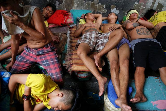 Inmates sleep inside Quezon City Jail in Manila, Philippines October 19, 2016. (Photo by Damir Sagolj/Reuters)