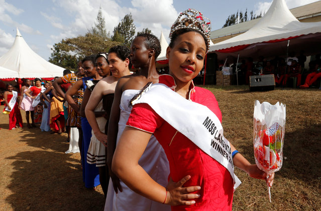 "Miss Langata Prison 2016 Ruth Kamande poses for a photograph as female inmates participate in a fashion parade as part of their Valentine's Day celebration, dubbed ""love behind bars"" inside the Langata Women Maximum Security Prison in Kenya's capital Nairobi, February 14, 2017. (Photo by Thomas Mukoya/Reuters)"