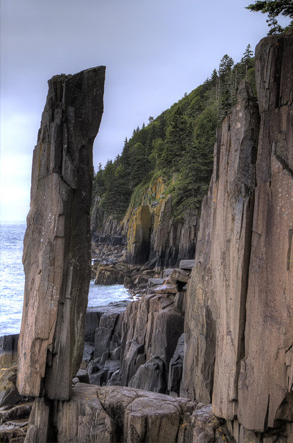 Balancing Rock in St. Mary's Bay on Long Island, Nova Scotia (Digby Neck)