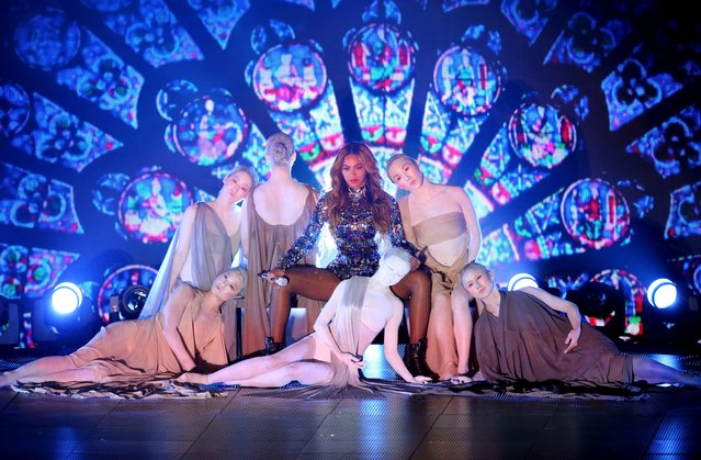Singer Beyonce performs onstage during the 2014 MTV Video Music Awards at The Forum on August 24, 2014 in Inglewood, California. (Photo by Mark Davis/Getty Images)