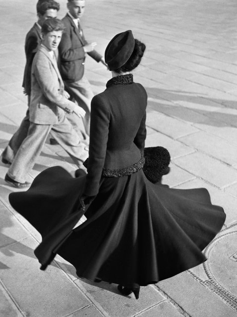 """The New Look of Dior"" in Paris, August 1947. (Photo by The Richard Avedon Foundation)"