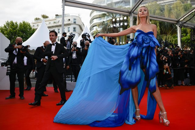 """German model Ann-Sophie Thieme arrives for the screening of the film """"France"""" at the 74th edition of the Cannes Film Festival in Cannes, southern France, on July 15, 2021. (Photo by Sarah Meyssonnier/Reuters)"""