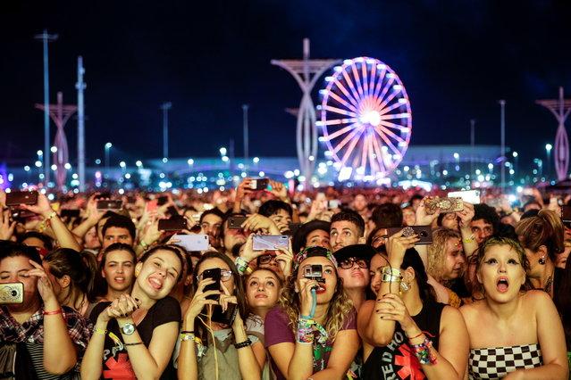 Festival goers attend the Rock in Rio music festival in Rio de Janeiro, Brazil, 03 October 2019. (Photo by Antonio Lacerda/EPA/EFE)