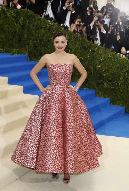 """Model Miranda Kerr attends """"Rei Kawakubo/Comme des Garcons: Art Of The In-Between"""" Costume Institute Gala – Arrivals at Metropolitan Museum of Art on May 1, 2017 in New York City. (Photo by Lucas Jackson/Reuters)"""