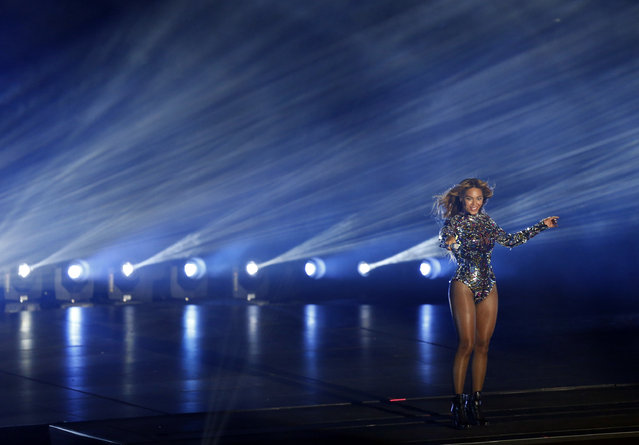 Beyonce performs a medley of songs during the 2014 MTV Video Music Awards in Inglewood, California August 24, 2014. (Photo by Mario Anzuoni/Reuters)