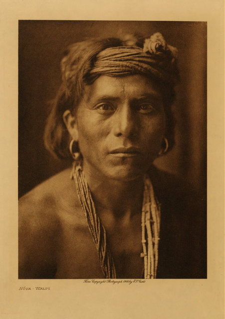 Nova, a Walpi, in 1906. (Photo by Edward S. Curtis)