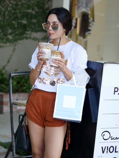 Vanessa Hudgens shows her s*xy pins as she grabs coffee for two at Alfred Coffee on Melrose Place, West Hollywood on August 24, 2016. (Photo by GoldStar Media/Splash News)