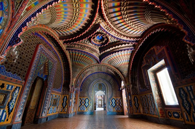 Italian Peacock Room in Tuscany