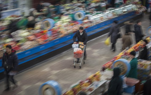 A general view shows the Green Bazaar in Almaty January 23, 2015. (Photo by Shamil Zhumatov/Reuters)
