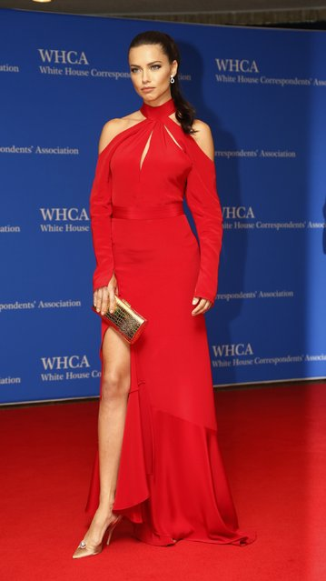Model Adriana Lima arrives on the red carpet for the annual White House Correspondents Association Dinner in Washington, U.S., April 30, 2016. (Photo by Jonathan Ernst/Reuters)