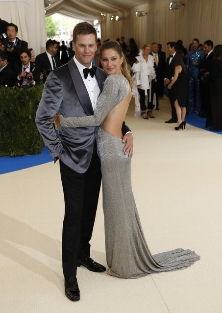 """Gisele Bundchen and husband, New England Patriots NFL quarterback Tom Brady attend """"Rei Kawakubo/Comme des Garcons: Art Of The In-Between"""" Costume Institute Gala – Arrivals at Metropolitan Museum of Art on May 1, 2017 in New York City. (Photo by Lucas Jackson/Reuters)"""