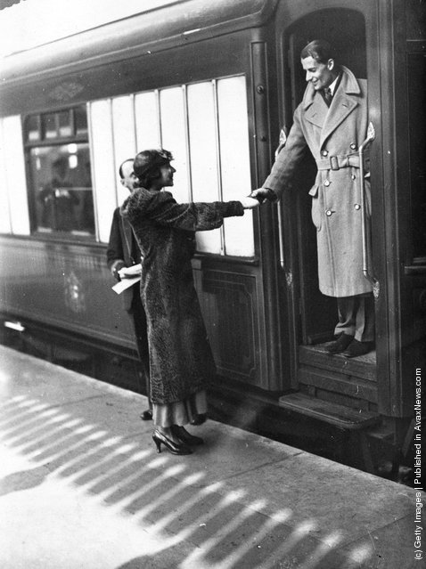1933: British tennis player Bunny Austin says goodbye to his wife, actress Phyllis Konstam, at Victoria Station, London, as he makes his way to Barcelona to compete in the Davis Cup