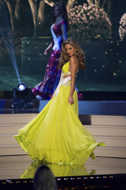 Alejandra Argudo, Miss Ecuador 2014 competes on stage in her evening gown during the Miss Universe Preliminary Show in Miami, Florida in this January 21, 2015 handout photo. (Photo by Reuters/Miss Universe Organization)