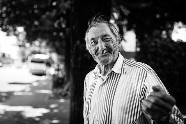 """""""Life is better if you are happy""""; Udine, Friuli-Venezia Giulia, Italy, 2013. (Giulio Magnifico)"""