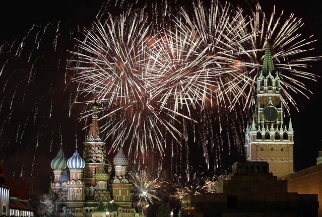 Fireworks explode during New Year celebrations in Moscow's Red Square. (Photo by Tatyana Makeyeva/Reuters)