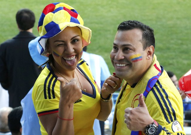 Colombia fans cheer as they await the start of the team's Copa America 2015 quarter-finals soccer match against Argentina at Estadio Sausalito in Vina del Mar, Chile, June 26, 2015. (Photo by Rodrigo Garrido/Reuters)