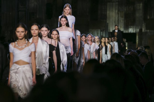 Models present creations from the Givenchy Spring/Summer 2016 collection during New York Fashion Week in New York September 11, 2015. (Photo by Lucas Jackson/Reuters)