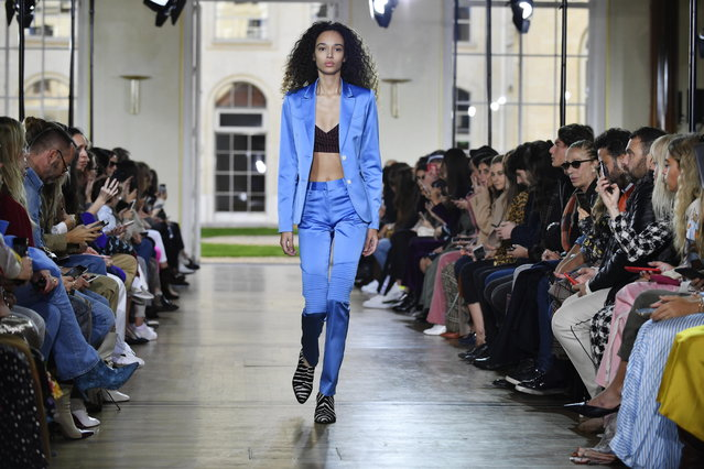 A model presents a creation from the Women Spring/Summer 2019 collection by French designer Sophie Mechaly for Paul and Joe fashion house during the Paris Fashion Week, in Paris, France, 30 September 2018. (Photo by Julien de Rosa/EPA/EFE)