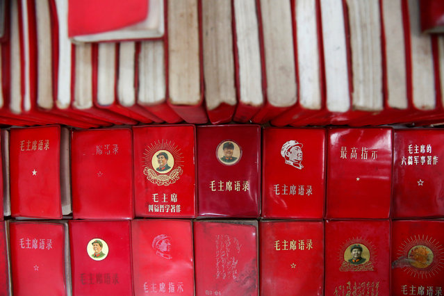 """Copies of """"Quotations from Chairman Mao Zedong"""", commonly known as the """"Little Red Book"""", are displayed at a exhibition hall at Jianchuan Museum Cluster in Anren, Sichuan Province, China, May 13, 2016. (Photo by Kim Kyung-Hoon/Reuters)"""
