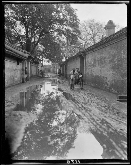 Sui An Po – Mud. China, Beijing, 1917-1919. (Photo by Sidney David Gamble)