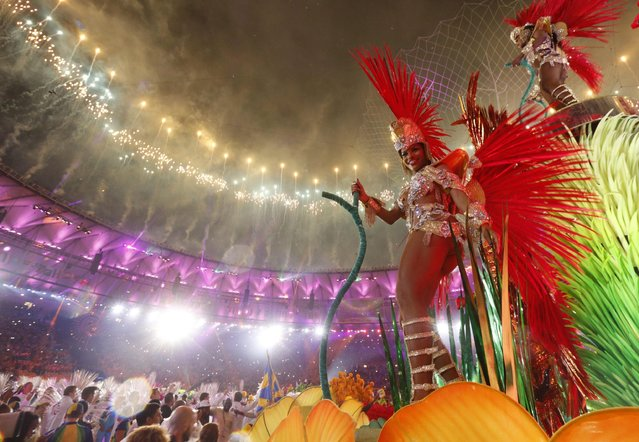 Artists perform during the Closing Ceremony of the Rio 2016 Olympic Games at the Maracana Stadium in Rio de Janeiro, Brazil, 21 August 2016. (Photo by Sergei Ilnitsky/EPA)