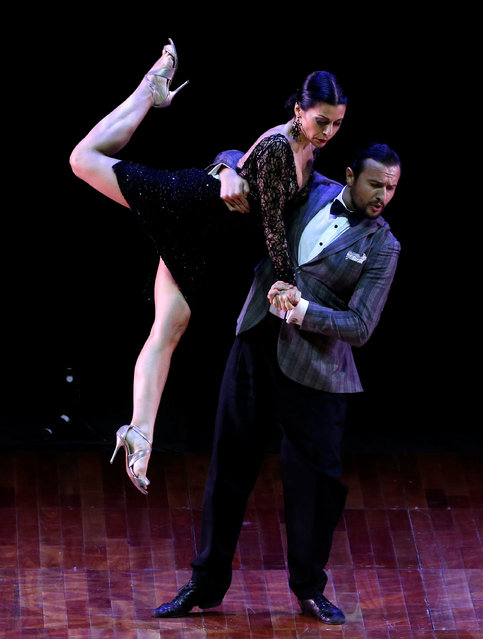 Giampiero Cantone and Francesca Del Buono, from Italy, perform their routine at the Stage style Tango World Championship, in Buenos Aires, Argentina, August 31, 2016. (Photo by Enrique Marcarian/Reuters)