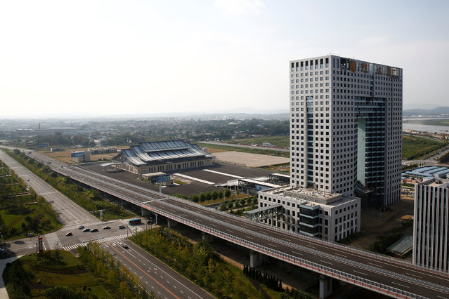 A general view shows the empty customs building in the New Zone urban development in Dandong, Liaoning province, China September 11, 2016. (Photo by Thomas Peter/Reuters)