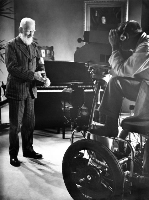 "Breaking a strict personal rule, George Bernard Shaw, famous dramatist, appears for a ""Curtain call"" at the television presentation of his play, how he lied to her husband July 15, 1937 in London. (Photo by AP Photo)"