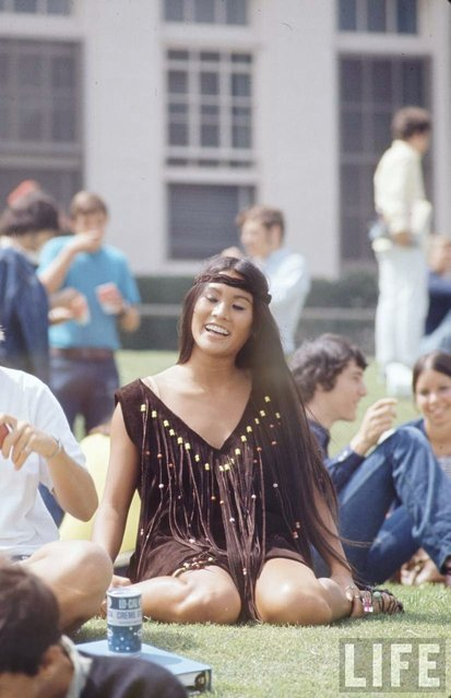 Student Rosemary Shoong at Beverly Hills High School, wearing a dress she made herself, 1969. (Photo by Arthur Schatz/Time & Life Pictures/Getty Images)