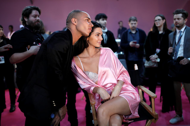 Model Kendall Jenner gets ready backstage before the Victoria's Secret Fashion Show at the Grand Palais in Paris, France, November 30, 2016. (Photo by Benoit Tessier/Reuters)