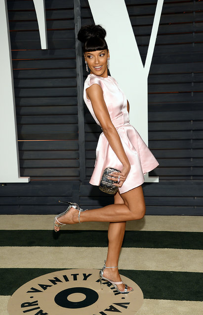 Selita Ebanks arrives at the 2015 Vanity Fair Oscar Party on Sunday, February 22, 2015, in Beverly Hills, Calif. (Photo by Evan Agostini/Invision/AP Photo)