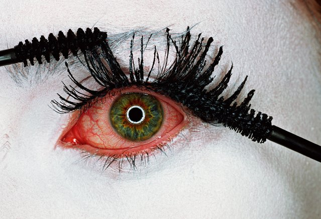 Irving Penn, Mascara Wars, New York, 2001. (Photo by Irving Penn/Condé Nast)