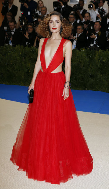 """Rose Byrne attends """"Rei Kawakubo/Comme des Garcons: Art Of The In-Between"""" Costume Institute Gala – Arrivals at Metropolitan Museum of Art on May 1, 2017 in New York City. (Photo by Brendan Mcdermid/Reuters)"""