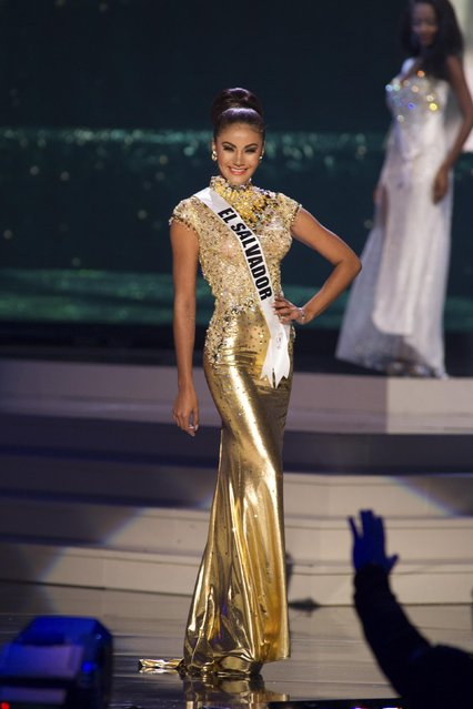 Patricia Murillo, Miss El Salvador 2014 competes on stage in her evening gown during the Miss Universe Preliminary Show in Miami, Florida in this January 21, 2015 handout photo. (Photo by Reuters/Miss Universe Organization)