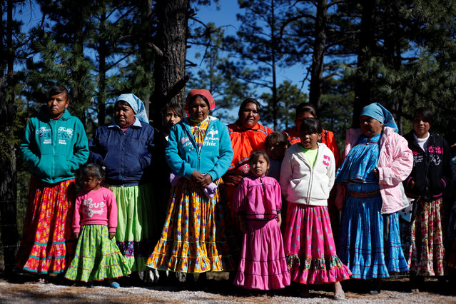 Women from the Tarahumara ethnic group pose for a photo while preparing for winter in Caborachi village, in Guachochi, Mexico, December 17, 2016. (Photo by Jose Luis Gonzalez/Reuters)